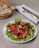 Sałatka sałata z owoc i dokrętkami Zdjęcie Stock