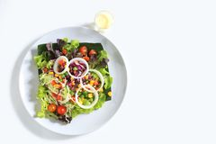 Sałatka z serowymi i świeżymi warzywami Obrazy Stock