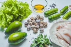 Sałatkowi składniki z kałamarnicą i veggies na bielu Obraz Royalty Free
