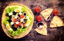Sałatka na tortilla Fotografia Royalty Free