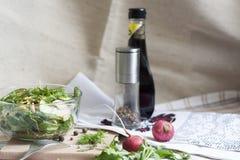 Sałatka: warzywa i ziele Fotografia Royalty Free