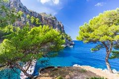 在马略卡海岛,西班牙上的Sa Calobra 免版税库存照片