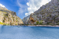 Sa Calobra na ilha de Mallorca, Espanha Fotografia de Stock Royalty Free