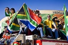 SA de Fans van het voetbal vieren in Straten Sandton Stock Foto's