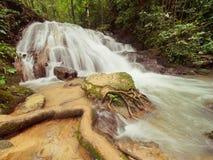 SA NANG MANORA森林公园, PHANG NGA,泰国,瀑布,长期 免版税图库摄影