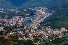 Sa Pa,山的一个城市在日落 免版税图库摄影
