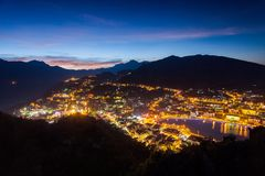 Sa-PA, en stad i bergen på solnedgång Royaltyfri Foto