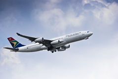SAA Airbus A340-211 - ZS-SLA Royalty Free Stock Image