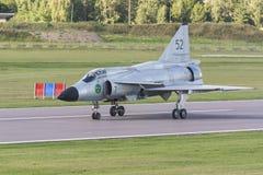 SAAB 37 aviões de lutador de Viggen apenas aterrados fotografia de stock royalty free