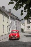Saab del rojo del vintage. Vadstena. Suecia Fotos de archivo