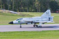 SAAB 37 Viggen-vechtersvliegtuigen op baan Stock Foto's