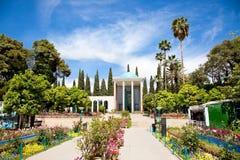 Saadi mausoleum i Shiraz Royaltyfria Foton