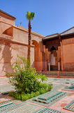Saadian gravvalv i Marrakech royaltyfria foton