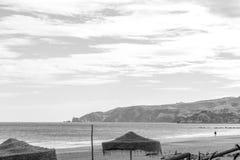 Saaidia海岛和波浪和岩石 库存图片