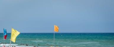 Saaidia海滩和波浪和岩石 库存照片