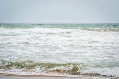 Saaidia海滩和波浪 免版税库存图片