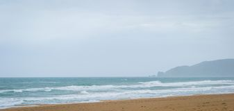 Saaidia海滩和波浪 库存照片