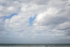Saaidia海滩和波浪 图库摄影