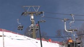 Saalbach-hinterglemm skidar hissen stock video