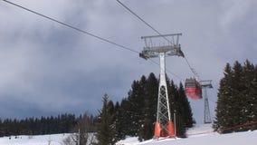 Saalbach-hinterglemm skidar hissen arkivfilmer