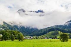 从Saalfelden的看法在贝希特斯加登的方向的奥地利 库存图片