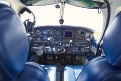 Saalflugzeuge mit Armaturenbrett vor Abfahrt Lizenzfreies Stockbild