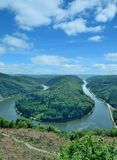 Saar River pilbåge, Mettlach, Saarland, Tyskland Royaltyfri Bild