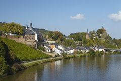 Saarburg - взгляд от моста Саара Стоковая Фотография