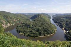 Saarschleife - ο ποταμός Σάαρ Στοκ εικόνα με δικαίωμα ελεύθερης χρήσης