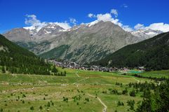 Saas Fee and Weissmies Royalty Free Stock Photography