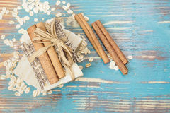 Sabão da farinha de aveia da canela Imagem de Stock Royalty Free