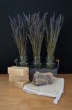 Sabão do leite das cabras com os três vasos da alfazema secada Imagem de Stock Royalty Free