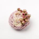 Sabão feito a mão como rosas, flores, aromaterapia, termas fotos de stock