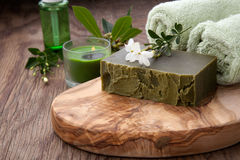 Sabão orgânico feito a mão e óleo orgânico Fotos de Stock Royalty Free