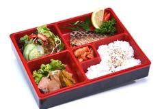 Saba Bento Set, lancheira dos peixes Grilled Saba isolados no whit Imagens de Stock