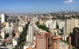 Sabana stort Caracas Venezuela affärsområde royaltyfri bild