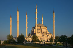 Sabancı central moské på solnedgången Fotografering för Bildbyråer