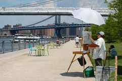 Sabato nella sosta del ponte di Brooklyn a New York City Fotografia Stock