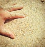 Sabbia delle dita Fotografia Stock Libera da Diritti
