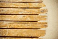 Sabbia delle dune su una pavimentazione di legno Fotografia Stock