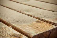 Sabbia delle dune su una pavimentazione di legno Sputo di Curonian del parco nazionale Fotografia Stock Libera da Diritti