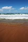 Sabbia di mare Mediterranea, mare e cielo Immagini Stock Libere da Diritti