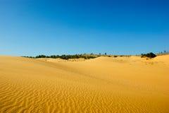Sabbia e cielo rossi Fotografie Stock Libere da Diritti