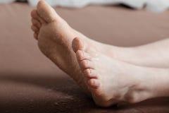 Sabbia sul fondo dei piedi Fotografie Stock Libere da Diritti