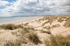 Sabbie della curvatura, curvatura: dune e la spiaggia immagini stock libere da diritti