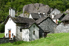 Sabbione乡村在Maggia谷的 免版税图库摄影