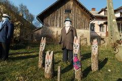 SABILE, LETONIA - 21 DE ABRIL DE 2019: Peque?a ciudad artificial de mu?ecas en Sabile, pilseta de Letonia - de Lellu fotografía de archivo libre de regalías