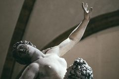 Sabines的强奸的细节是雕象 免版税库存图片