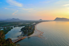 Baie de Prajuabkerekan en Thaïlande Image libre de droits