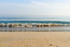 Sable et mer dans le jour d'été Photo libre de droits